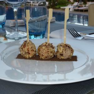 Foie gras and hazelnuts candies